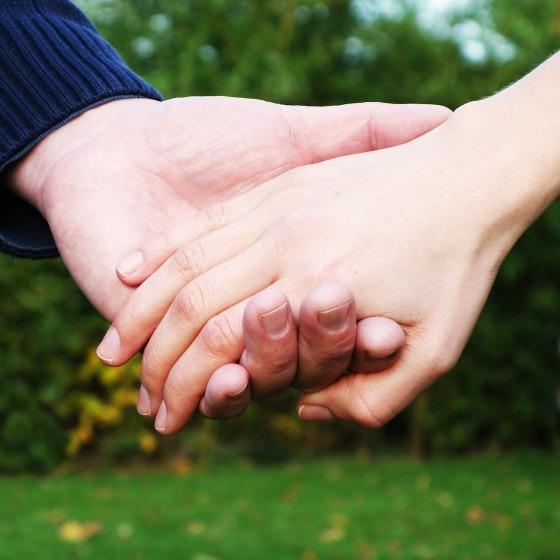 hands-269286_1280